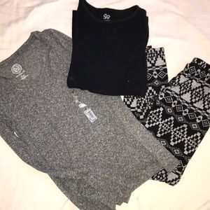 Girls legging and T-shirt outfit size small